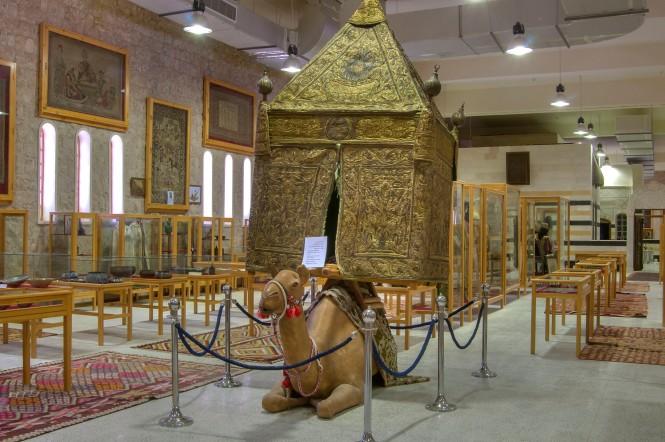 doha-sheikh_faisal_museum-camel_carriage_sheikh_faisal_bin